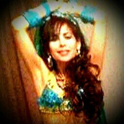 PATRICIA CAROLINA R   Social Profile