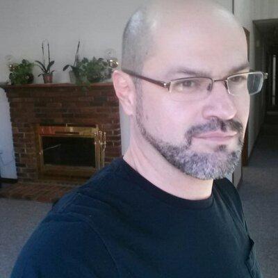 Gustavo Quirós | Social Profile