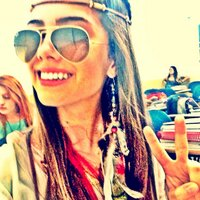 Sthefani Marques | Social Profile