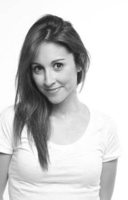 María Lama Social Profile
