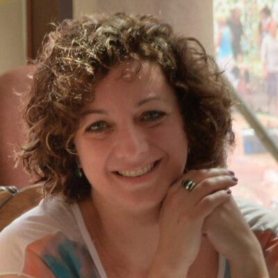 Renata Pacheco | Social Profile