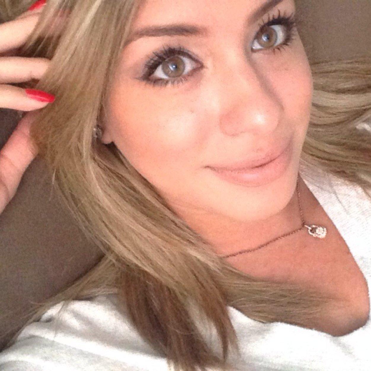 Denia Guerrero Social Profile