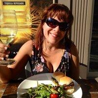 Kimberly Toureiro   Social Profile
