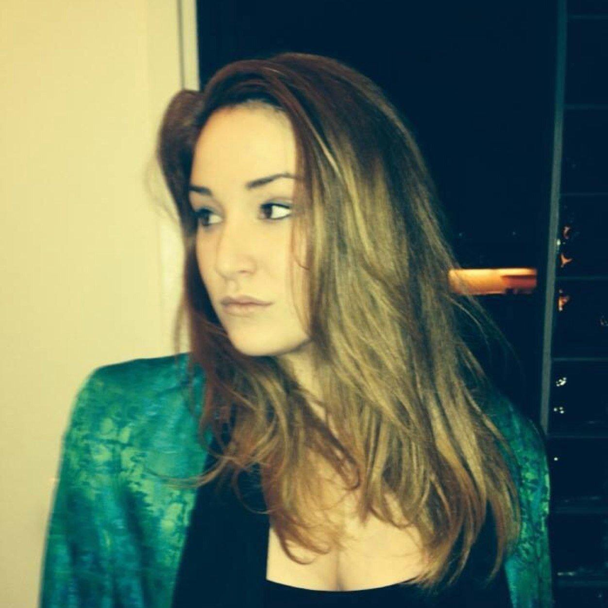 Emma Hunton Social Profile