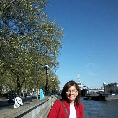 Viviane Otoni | Social Profile