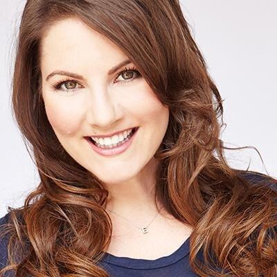 Elizabeth King Social Profile