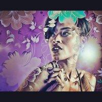 Serena Bond | Social Profile