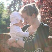 Laura Hutchinson | Social Profile