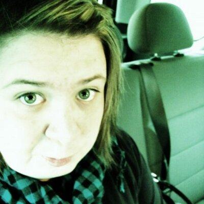 alicia nicole | Social Profile