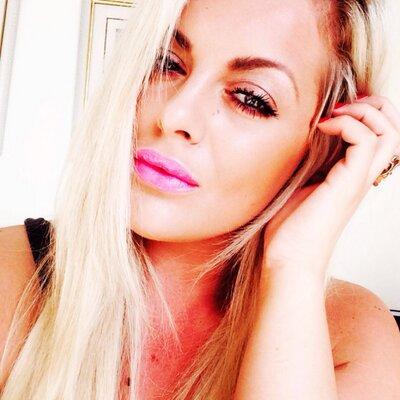 Pia Lauren Winters | Social Profile