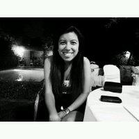 Maggie Larrea | Social Profile