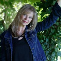Debra Oakland   Social Profile
