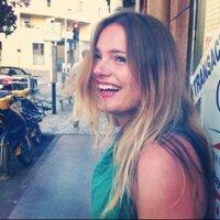 Laerke Herthoni | Social Profile
