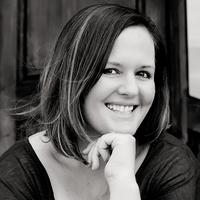 Author Becky Monson | Social Profile