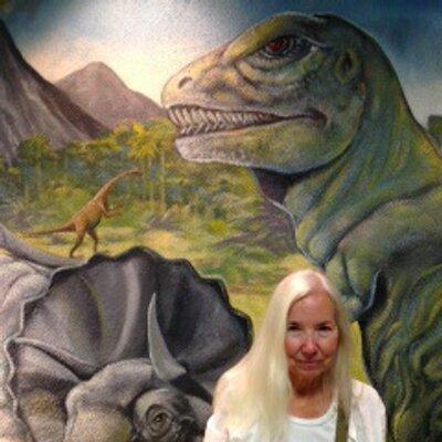 Linda Hunsaker | Social Profile