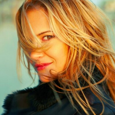 Victoria Pratt | Social Profile