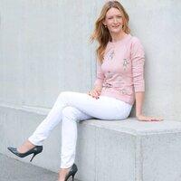 Susannah Taylor | Social Profile