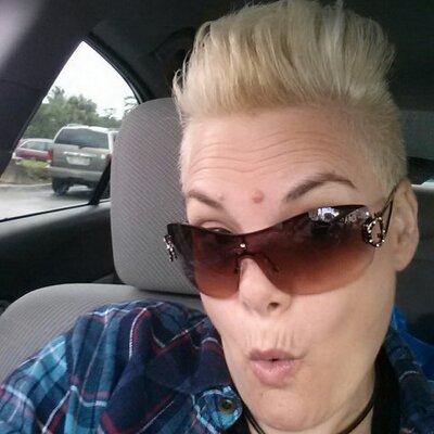 joan battaglia | Social Profile