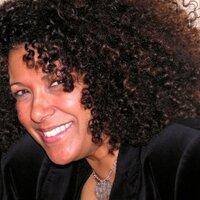 Deborah Medeiros | Social Profile