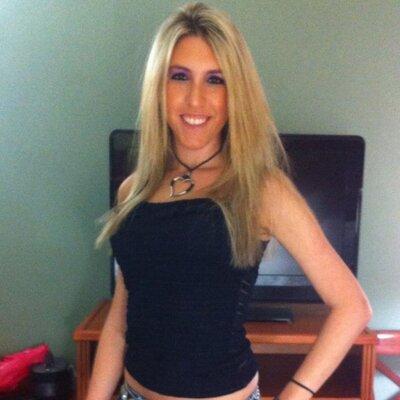 Stefanie | Social Profile