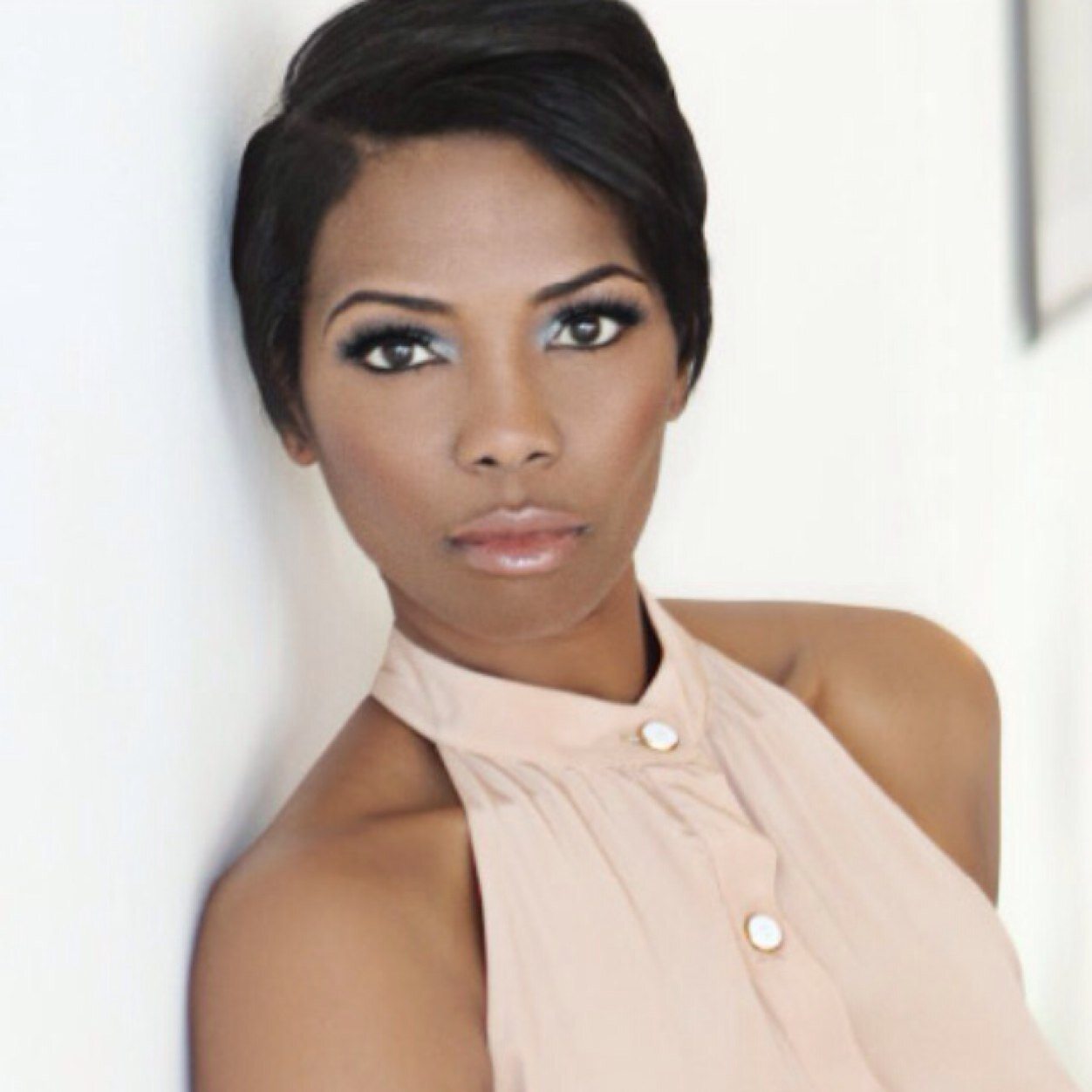 Vanessa Williams Social Profile