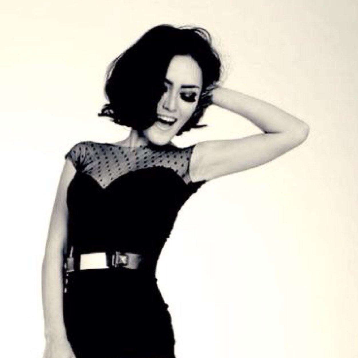 Deyla Setia Social Profile