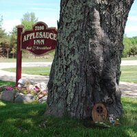 Applesauce Inn B&B  | Social Profile