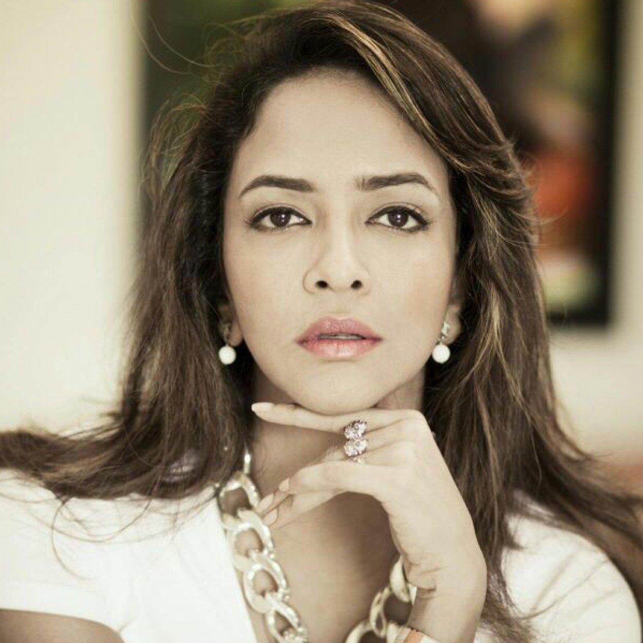 Follow Lakshmi Manchu Twitter Profile