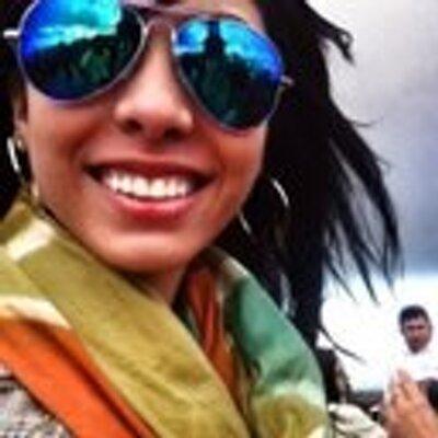 Victoria Cobos. | Social Profile