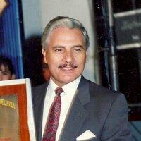Manuel Correa | Social Profile