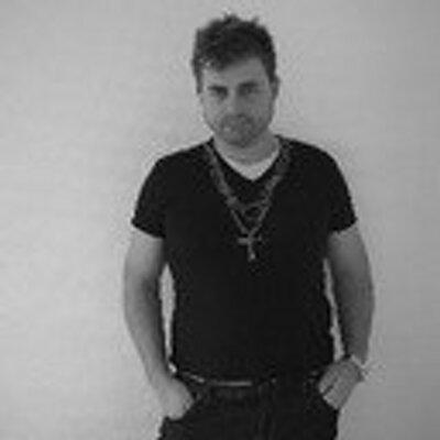 José_LuxuryActivist | Social Profile