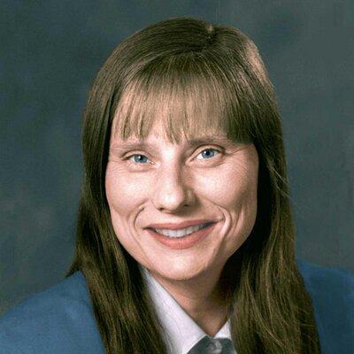 Laura Carlson | Social Profile