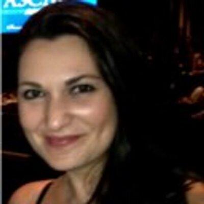 Jennifer Bull | Social Profile