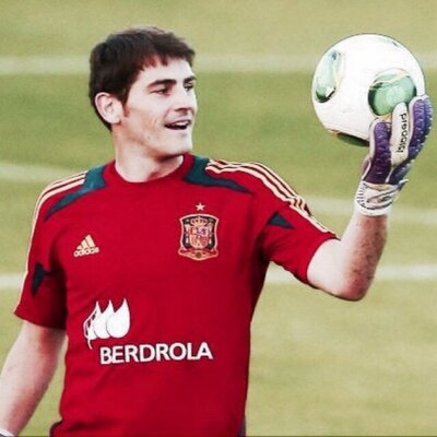 Iker⚽Casillas | Social Profile