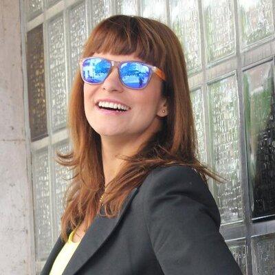 BARBARA LOZANO | Social Profile