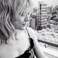 Taylor Schilling | Social Profile