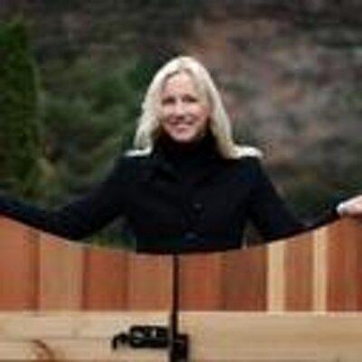 Lisa Wicker | Social Profile