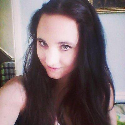 Laura Edwards | Social Profile