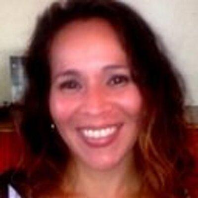 lydia lacau | Social Profile