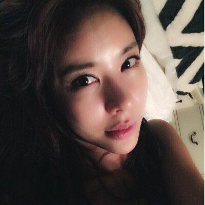Kim, JunHee 김준희   Social Profile