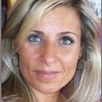 lizzie lahud | Social Profile