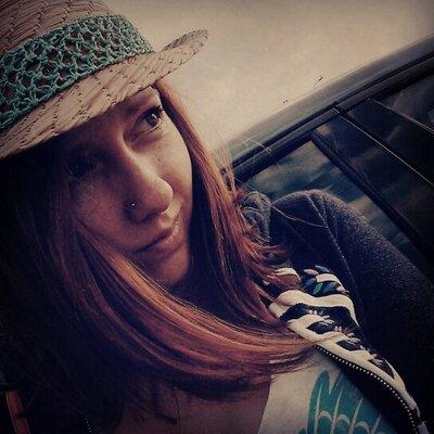 Amanda Anderton | Social Profile