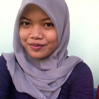 Rezky Wahyuningsih♥   Social Profile