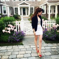Nell Diamond | Social Profile