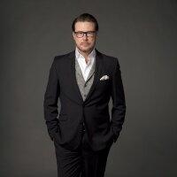 Dean McDermott | Social Profile