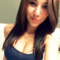 Adriana Uribe | Social Profile