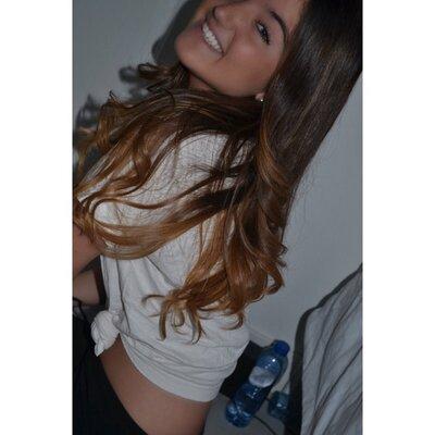 Sterre-Luna | Social Profile