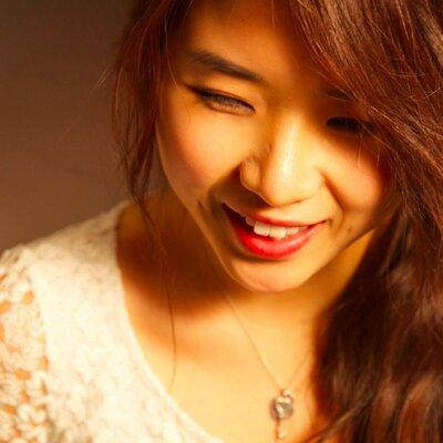 Laura Hanㆍ한현주 | Social Profile