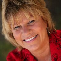 Martha Giffen | Social Profile