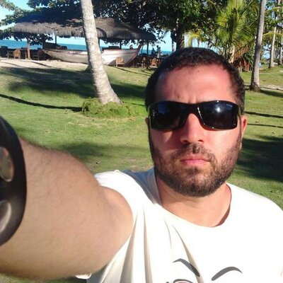Tiago Calil  | Social Profile